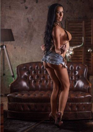 Enara outcall escorts