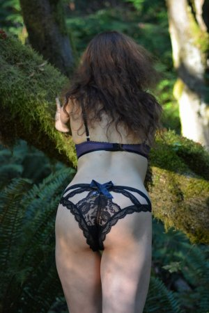 Aitana incall escort and casual sex