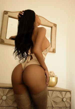 Nohemie outcall escorts in Muskegon Heights MI