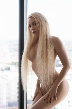 Bea incall escort