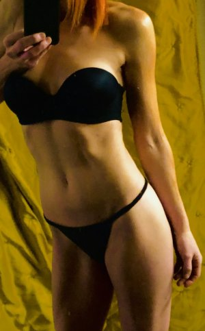 Lorenna escorts in Southern Pines, sex dating