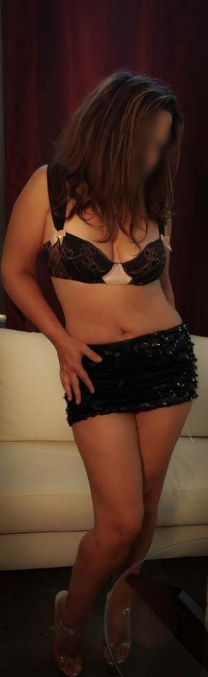 Naouel outcall escort in Brownsville TX