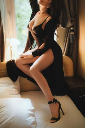 Mellya outcall escort & speed dating